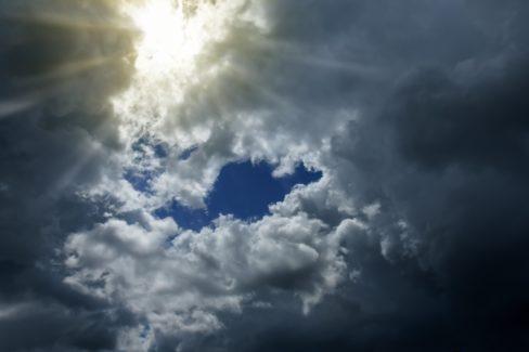 cloud-5247019_1920